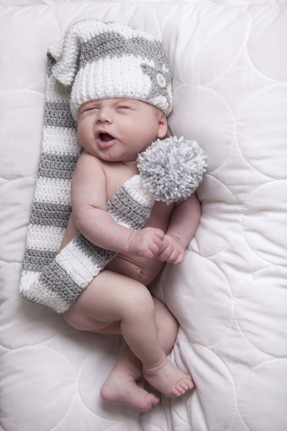 newbornshoot van baby in de fotostudio