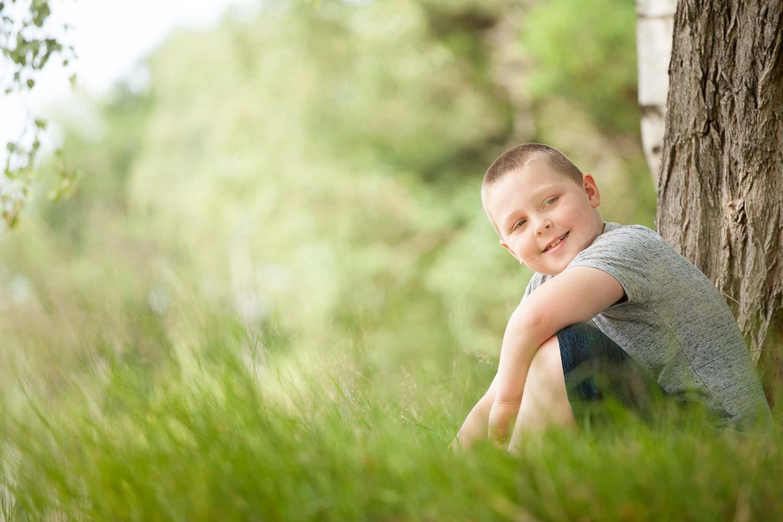 portretfoto van kind in de natuur in rekem
