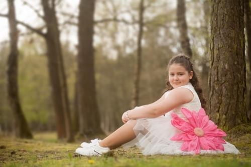 fotoshoot van meisje in de natuur