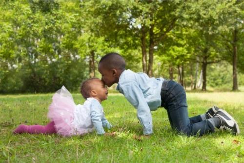 kinderreportage van 2 kinderen in de natuur