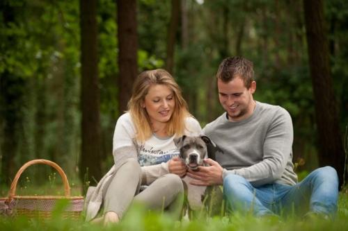 hondenshoot samen met loveshoot in de natuur